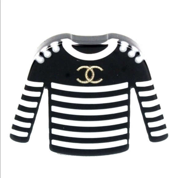 CHANEL Jewelry - Chanel - 2018 - New - Sweater Brooch Pin - CC
